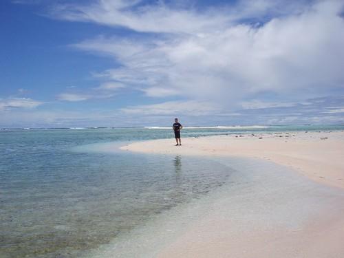 環礁近くの無人島にて